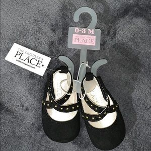 Children's Place size 0-3mo Blk strap sandals